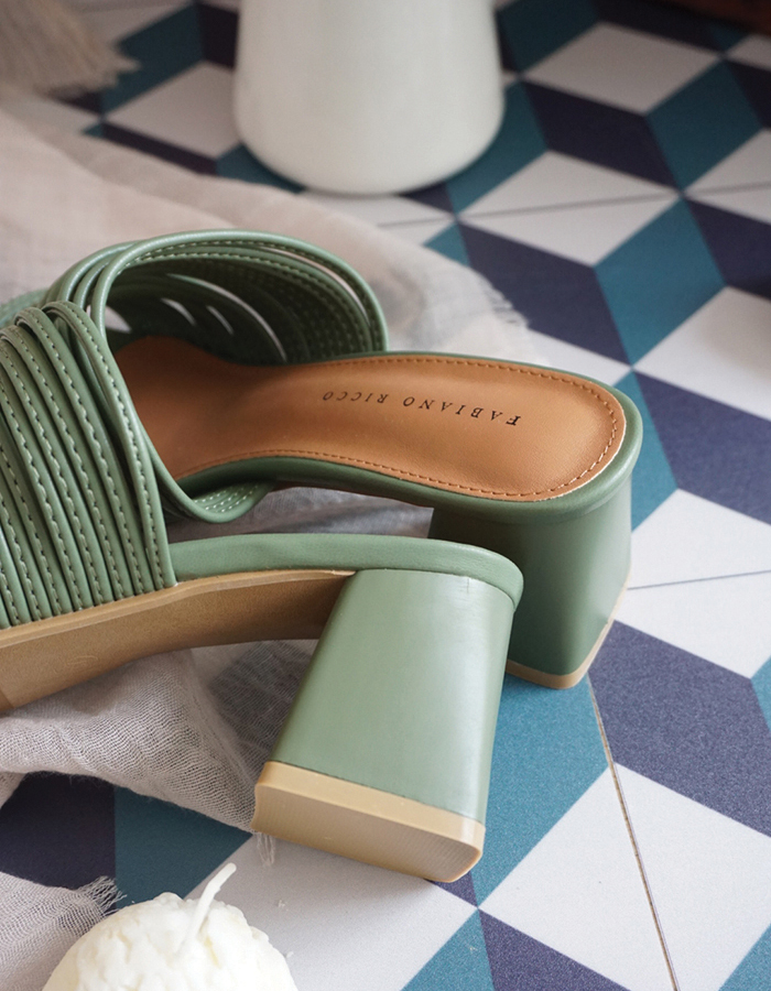 SQUARE TOE MULES #26373